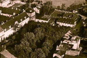klasztor lata miedzywojenne